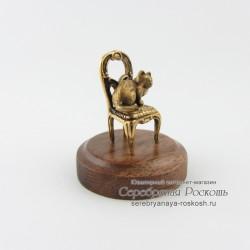 Статуэтка Кот на стуле