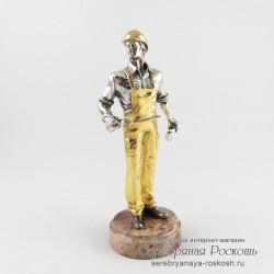 Серебряная статуэтка Строитель