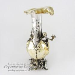 Серебряная ваза для цветов Девушка с букетом