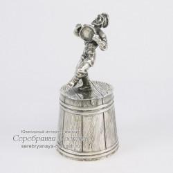 Серебряная штрафная рюмка Мужик с бубном