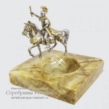 Пепельница из камня Римлянин