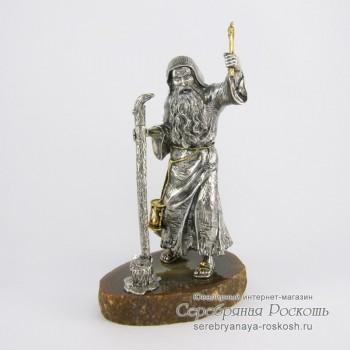 Серебряная подставка под ручку Монах