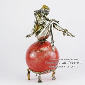 Статуэтка из серебра Девушка на шаре