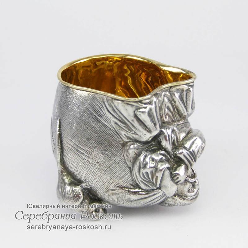 Рюмка из серебра Мужик с мешком