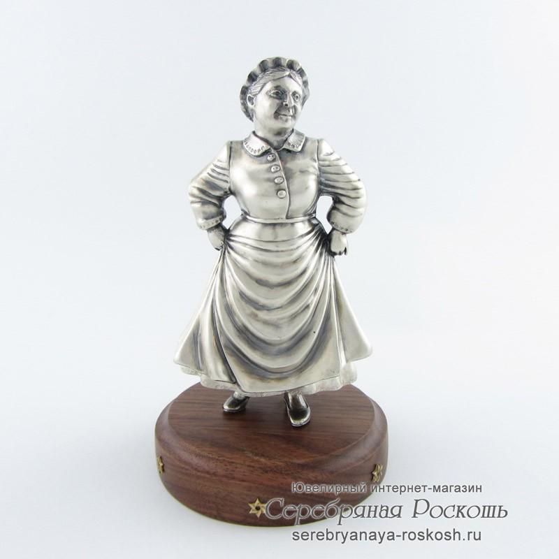 Статуэтка из серебра Тетя Сара