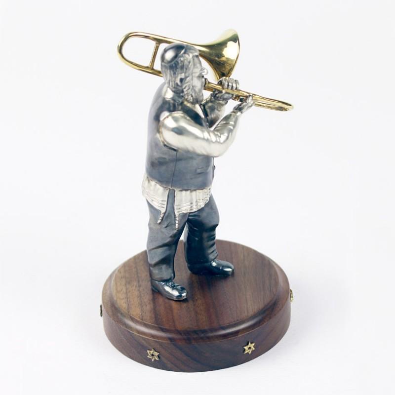 Серебряная статуэтка Музыкант с тромбоном