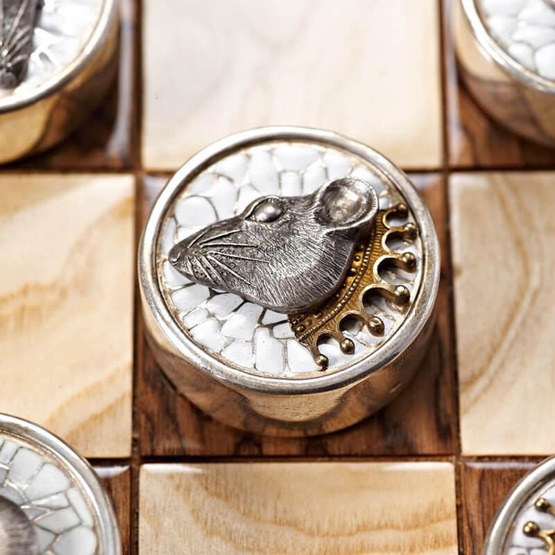 Серебряные шашки Вороны и Крысы - Белая шашка Крыса