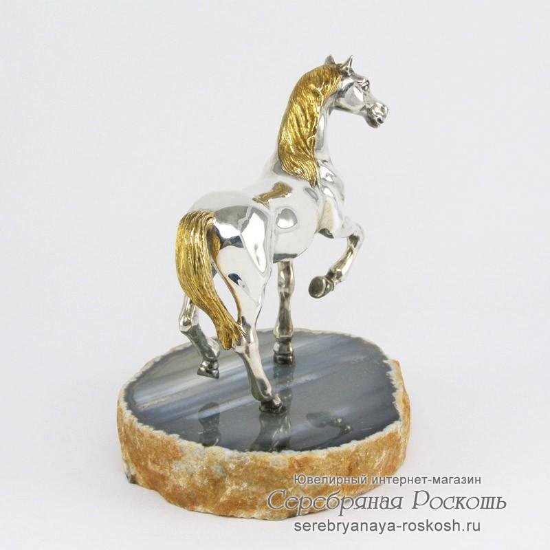 Статуэтка из серебра Лошадь