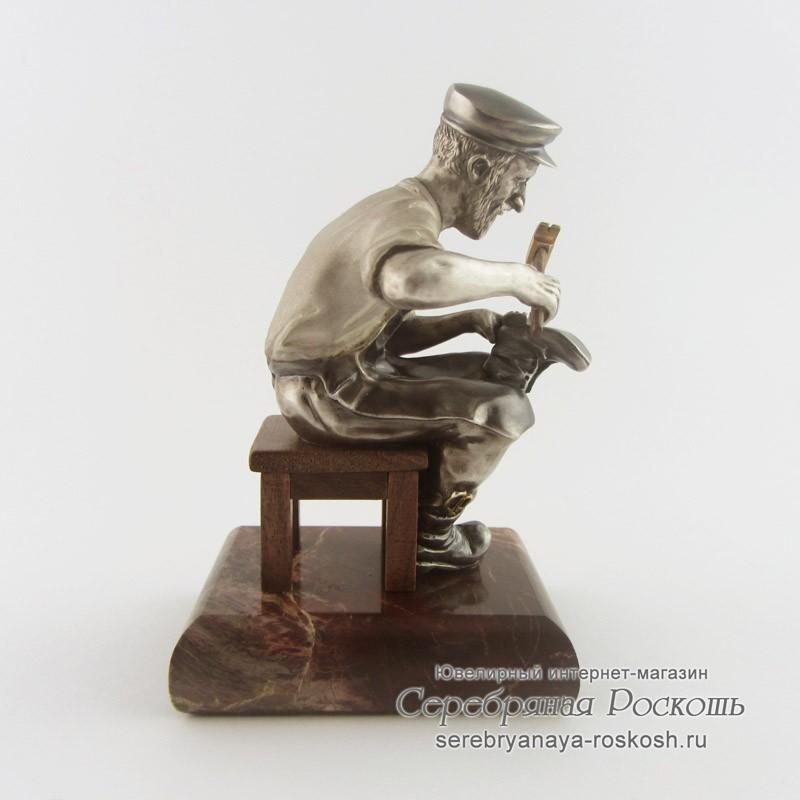 Статуэтки из серебра Сапожник
