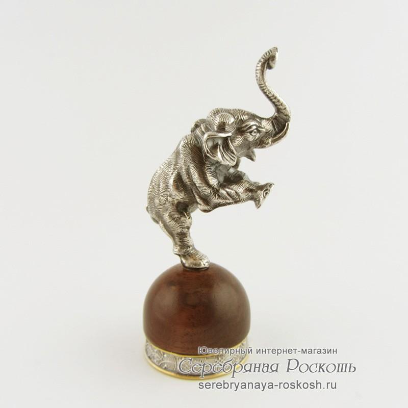 Статуэтка из серебра Слоник