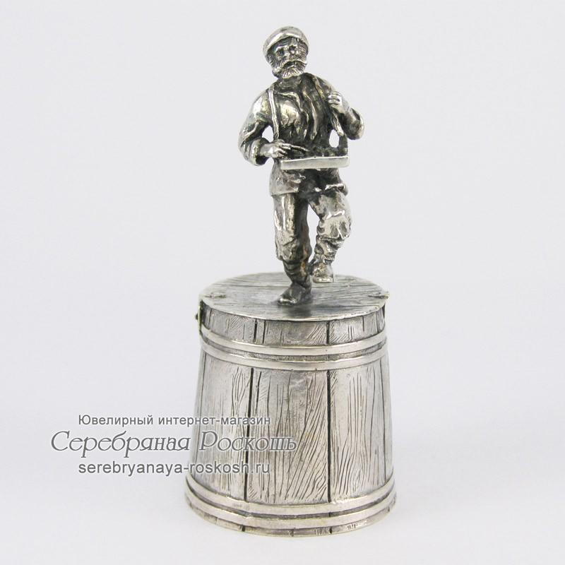 Серебряная штрафная рюмка Мужик с гуслями