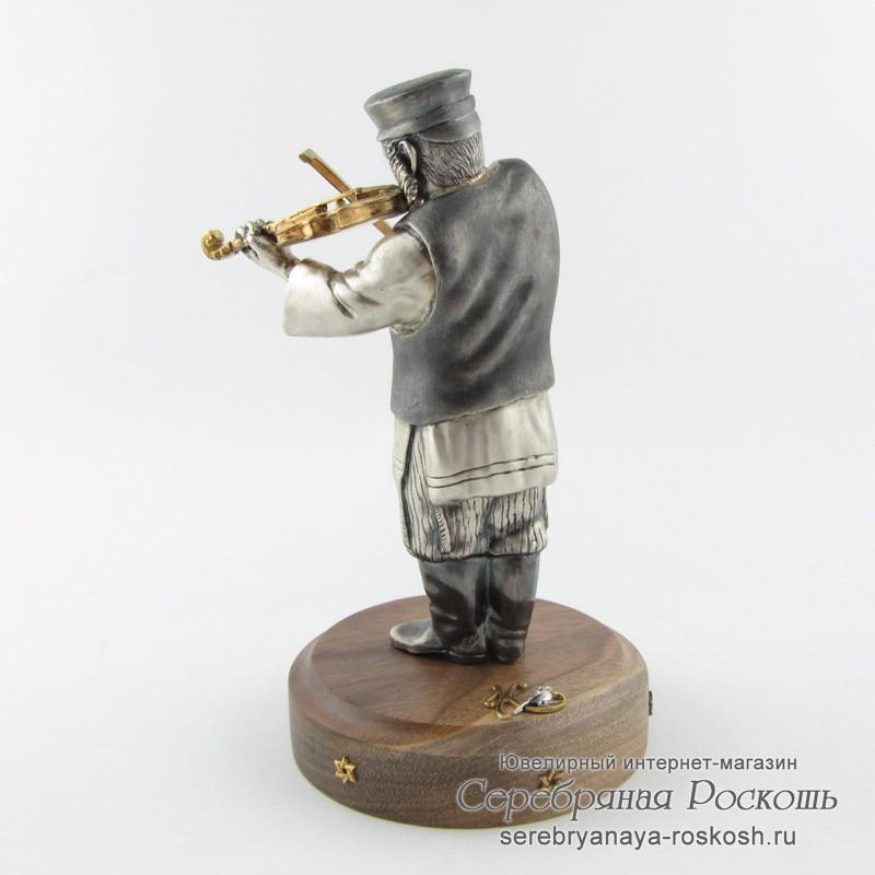 Статуэтка еврей играет на скрипке