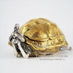 Серебряная пепельница Девушка черепаха