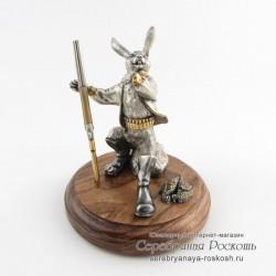 Статуэтка Заяц - Охотник