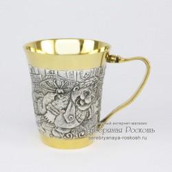 Серебряная чашка Карлсон и малыш