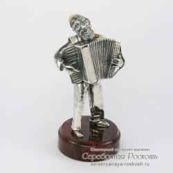Серебряная статуэтка Еврей с аккордеоном