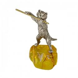 Серебряная статуэтка Кот с флейтой на янтарной подставке